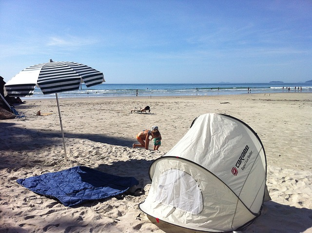 4 Best Baby Beach Tents Plus 9 Reasons You Need One For