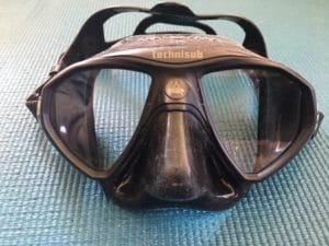 Best snorkel mask for narrow or small face